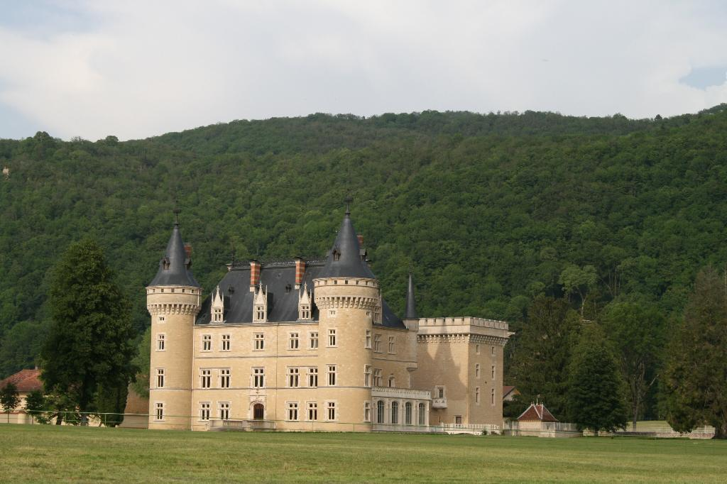 castles on sale in France